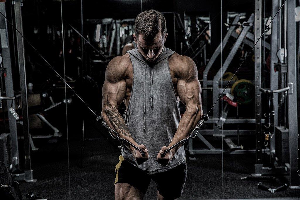 muscular guy in gym on ligandrol